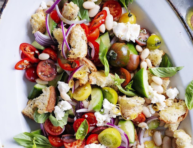 How to Make Chicken with White Bean Panzanella Salad