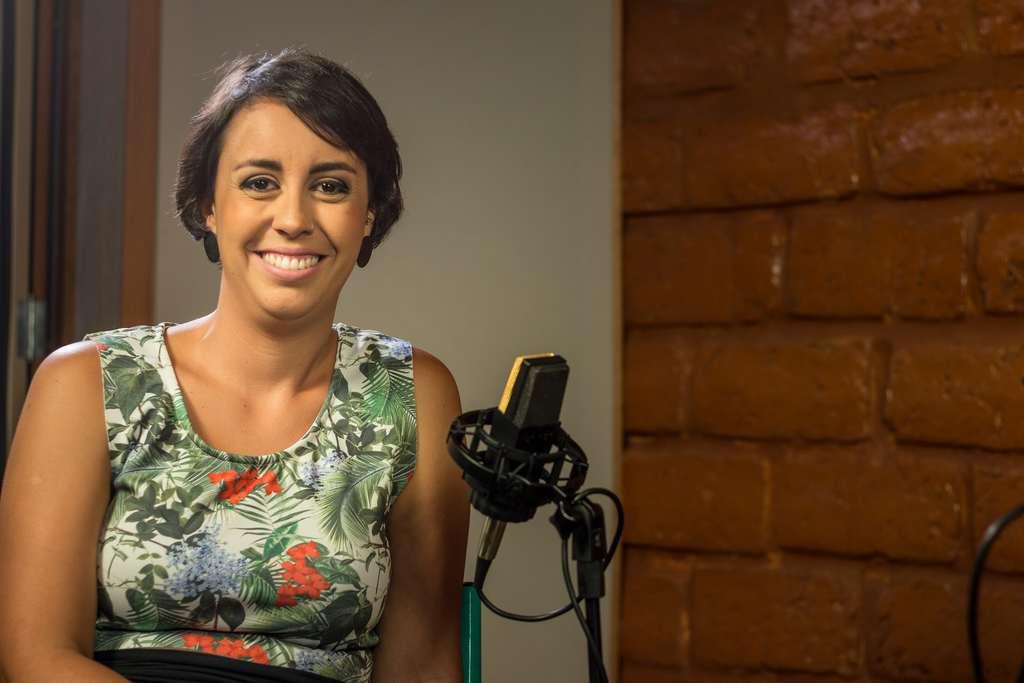 O projeto Meninas do Brasil, criado pela cantora e compositora Luiza Sales para dar mais visibilidade a compositoras da cena independente nacional, estreou no formato podcast após 5 anos de conteúdo em vídeo em seu canal no YouTube