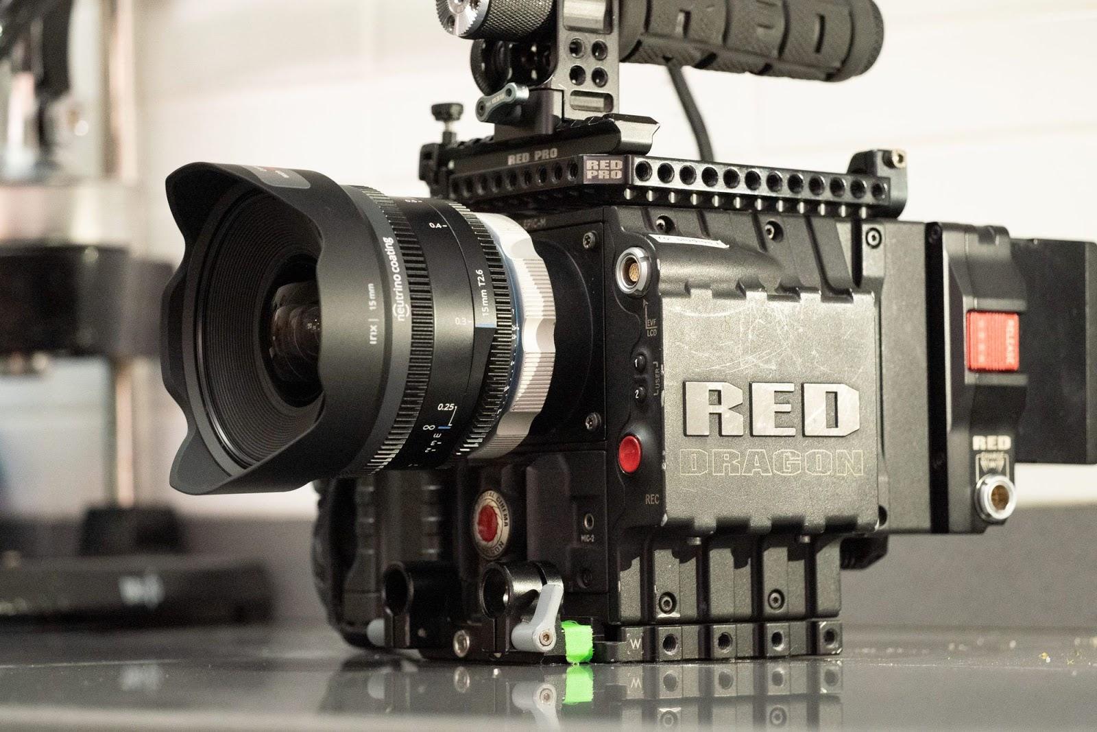 Irix 15mm T2.6 с камерой RED