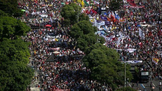 Bolsonaristas em pânico após atos contra o presidente Bolsonaro