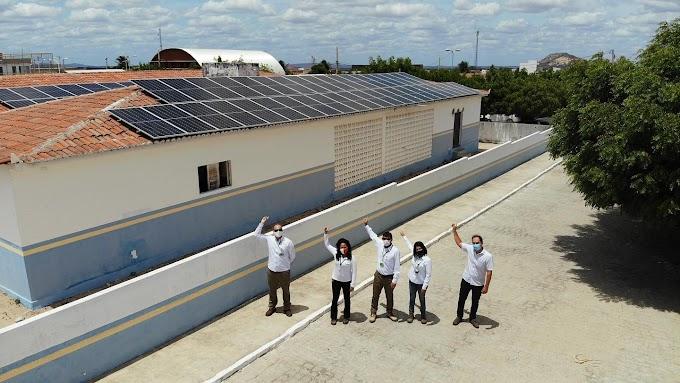 Parceria entre Prefeitura de São José do Sabugi e Neoenergia garante geração de energia solar para funcionamento de prédios públicos