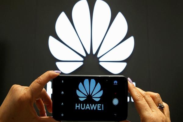 تقارير: هواوي ستفقد مكانتها كأحد أكبر مصنعي الهواتف في 2021