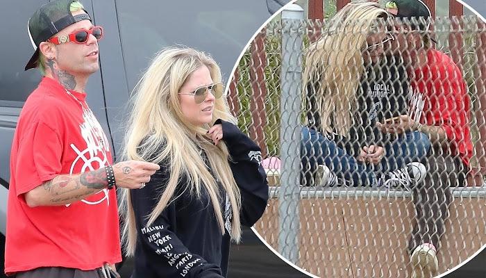 Avril Lavigne demuestra que aún puede hacer skateboarding con su novio Mod Sun en Malibú