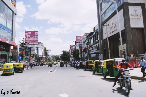 MG-Road-Bangalore-India