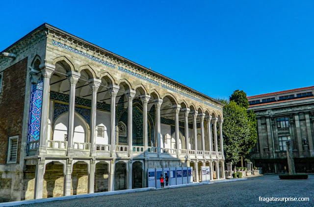 Quiosque esmaltado, pavilhão do Palácio de Topkápi transformado em museu de cerâmicas