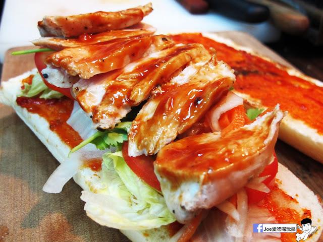 IMG 4923 - 【熱血採訪】NickJu 尼克啾 碳烤法式三明治 位於中國醫附近的尼克啾 NickJu 主打法式三明治,把餐廳所用的食材搬到街頭,讓客人用平價價格吃到高檔美味