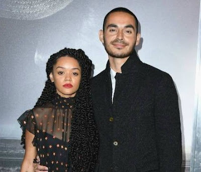 Manny Montana with his wife Adelfa in an award show