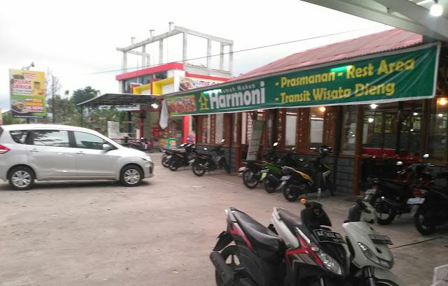 Rumah makan Harmoni di Jalan Wonosobo-Kertek Km 5,8 Kabupaten Wonosobo Jawa Tengah. (foto direktorijateng.com)