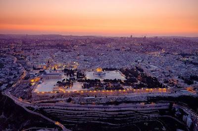 Israel celebra los 50 aniversarios de la reunificación de Jerusalén del 23 al 24 de mayo. Llevando hasta el hito semicentenario de la ciudad santa, aquí hay 50 hechos que resaltan el rico tapiz de la capital de Israel.