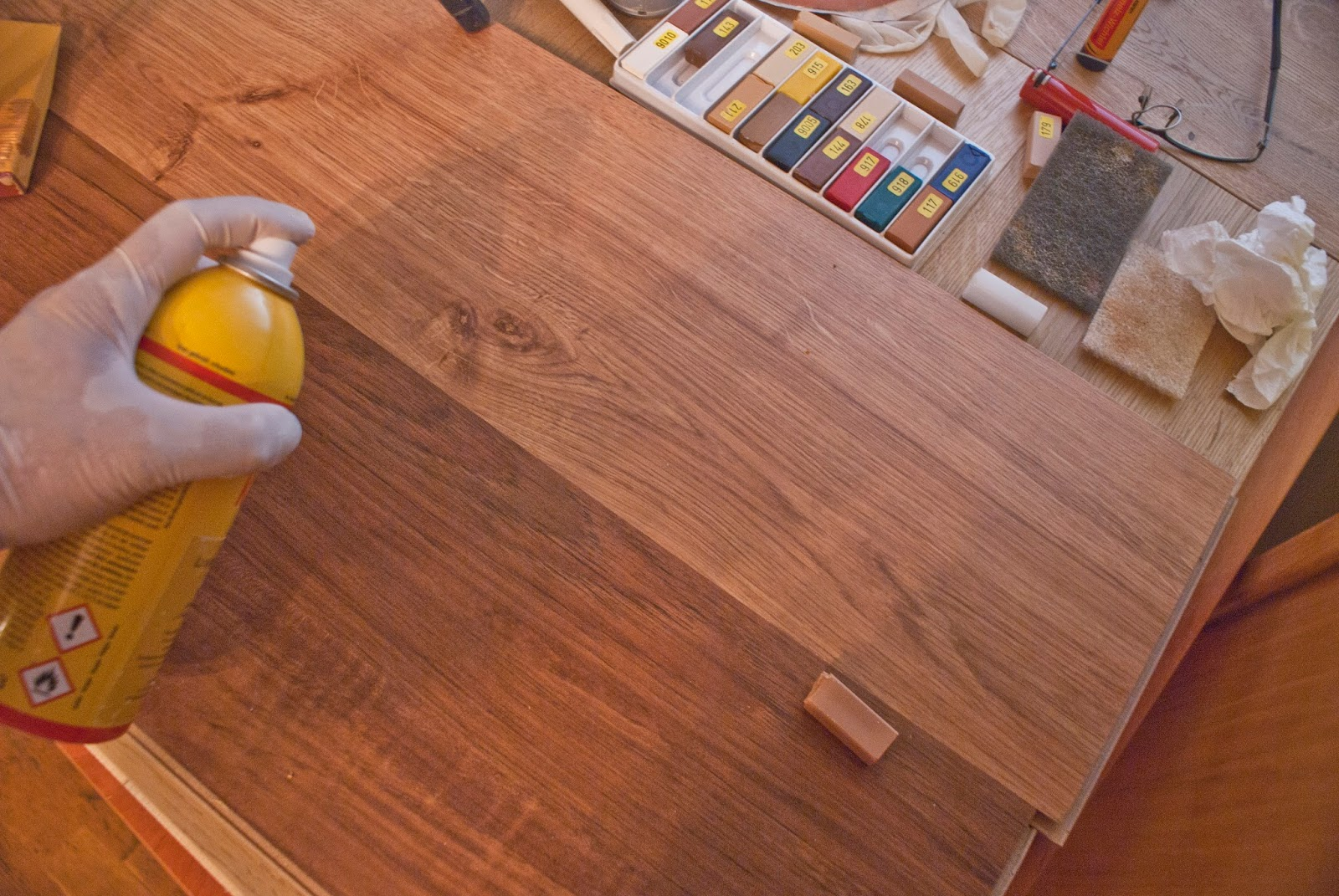 C mo reparar las rayadas en el parquet tarima y laminado - Como reparar piso de parquet rayado ...