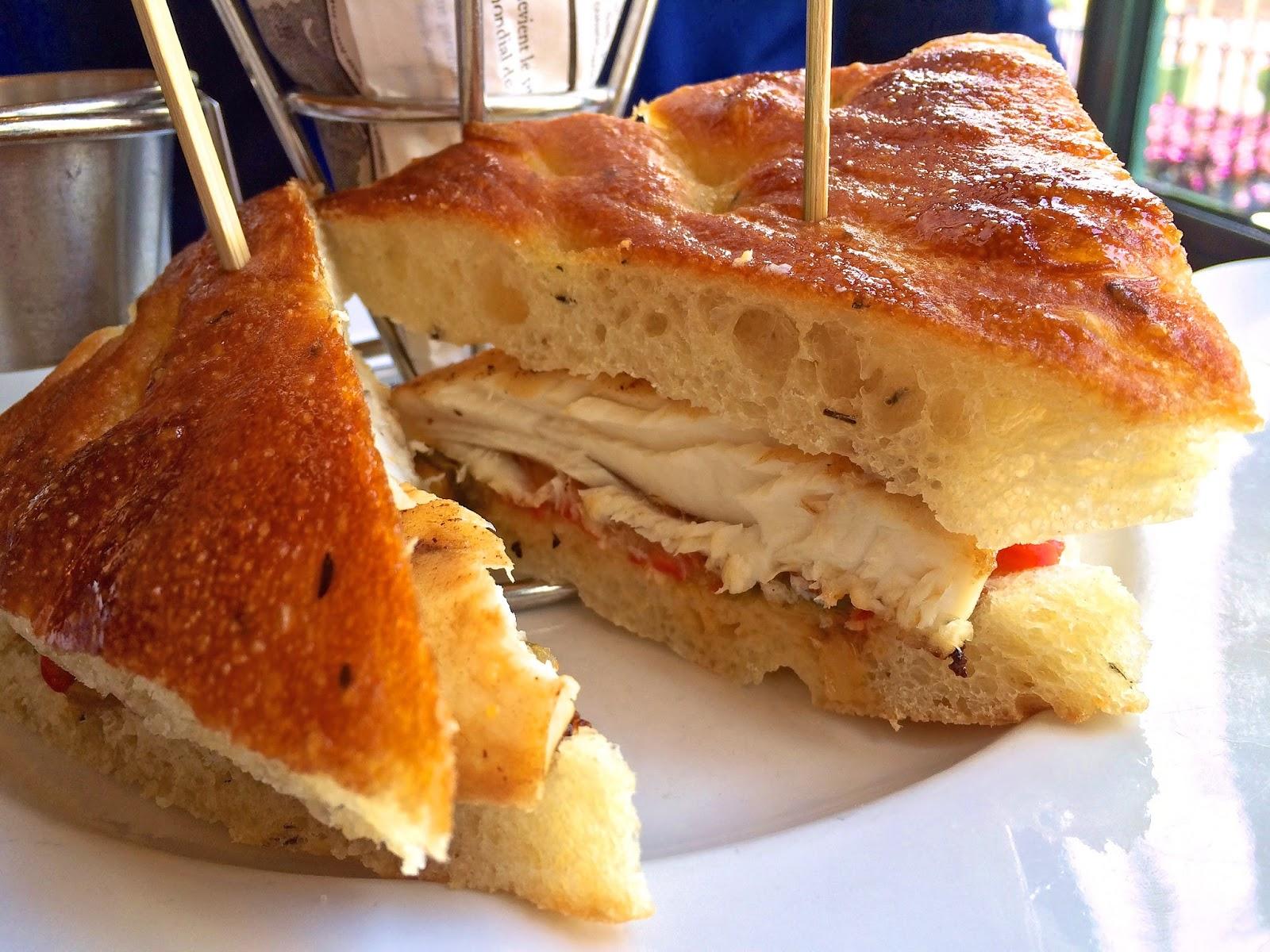 Mahi-Mahi sandwich - Les Chefs De France - Epcot - Walt Disney World
