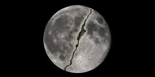 قصص القرأن | معجزة انشقاق القمر في القرأن وسر تعنت المشركين في الاسلام