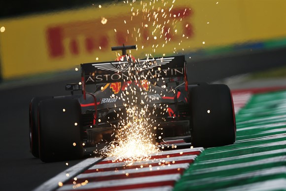 Em Boa Fase Verstappen permite sonho de virada da Red Bull contra Ferrari