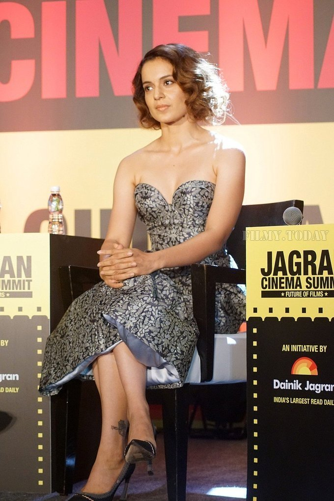 Vivek Oberoi and Kangana Ranaut at Jagran Film Festival at JW Marriott