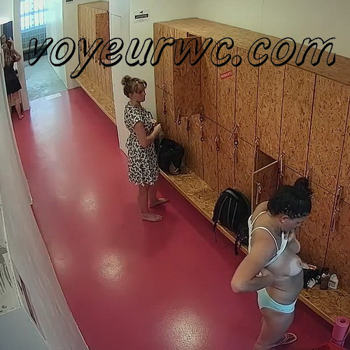 Hidden Camera in the Women's Locker Room Sports Club (Lockerroom 2012-2026)