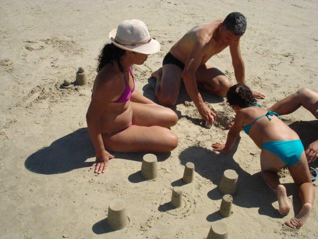 Brincando na areia na Riviera de São Lourenço
