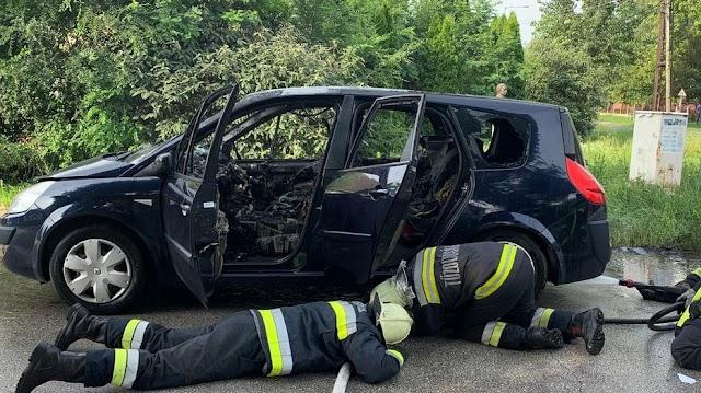 Percek kérdése volt az egész: hatalmas lángokkal égett a szerda délután kigyulladt autó Püspökladánynál