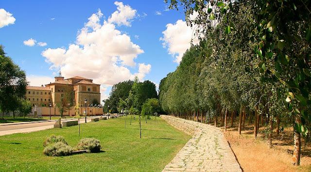 Alojamientos Castilla y León Real Monasterio San Zoilo Carrión