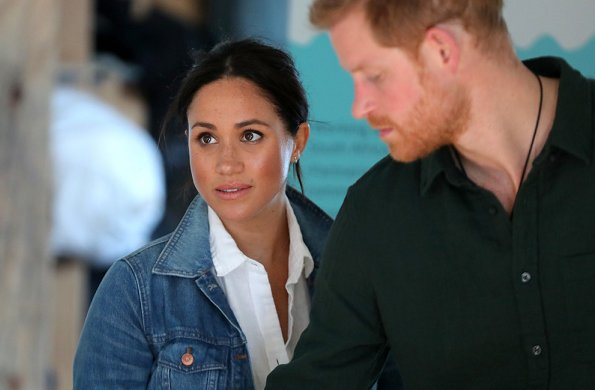 Meghan Markle wore Jennifer Meyer diamond bezel and turquoise marquise stud earrings and Madewell jacket