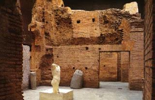 Apertura Serale dei resti dello Stadio di Domiziano nei Sotterranei di Piazza Navona - Visita guidata Roma