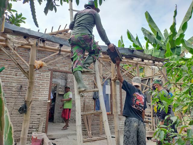 Anggota Kodim 0723/Klaten Merenovasi Rumah Milik Narto Suwito
