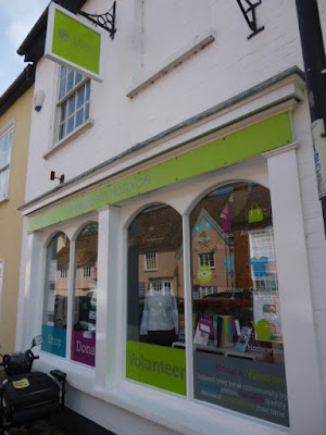 A picture of the front of the St Elizabeth Hospice shop, one of the charity shops on Hadleigh High Street