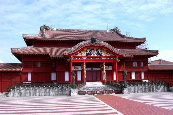 ปราสาทชูริ (Shuri Castle: 首里城) @ matcha-jp.com