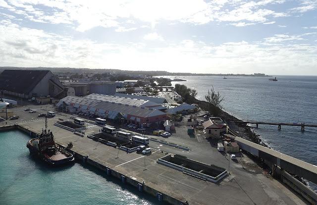 Hafen von Bridgetown, Barbados - Blick vom Schiff aus