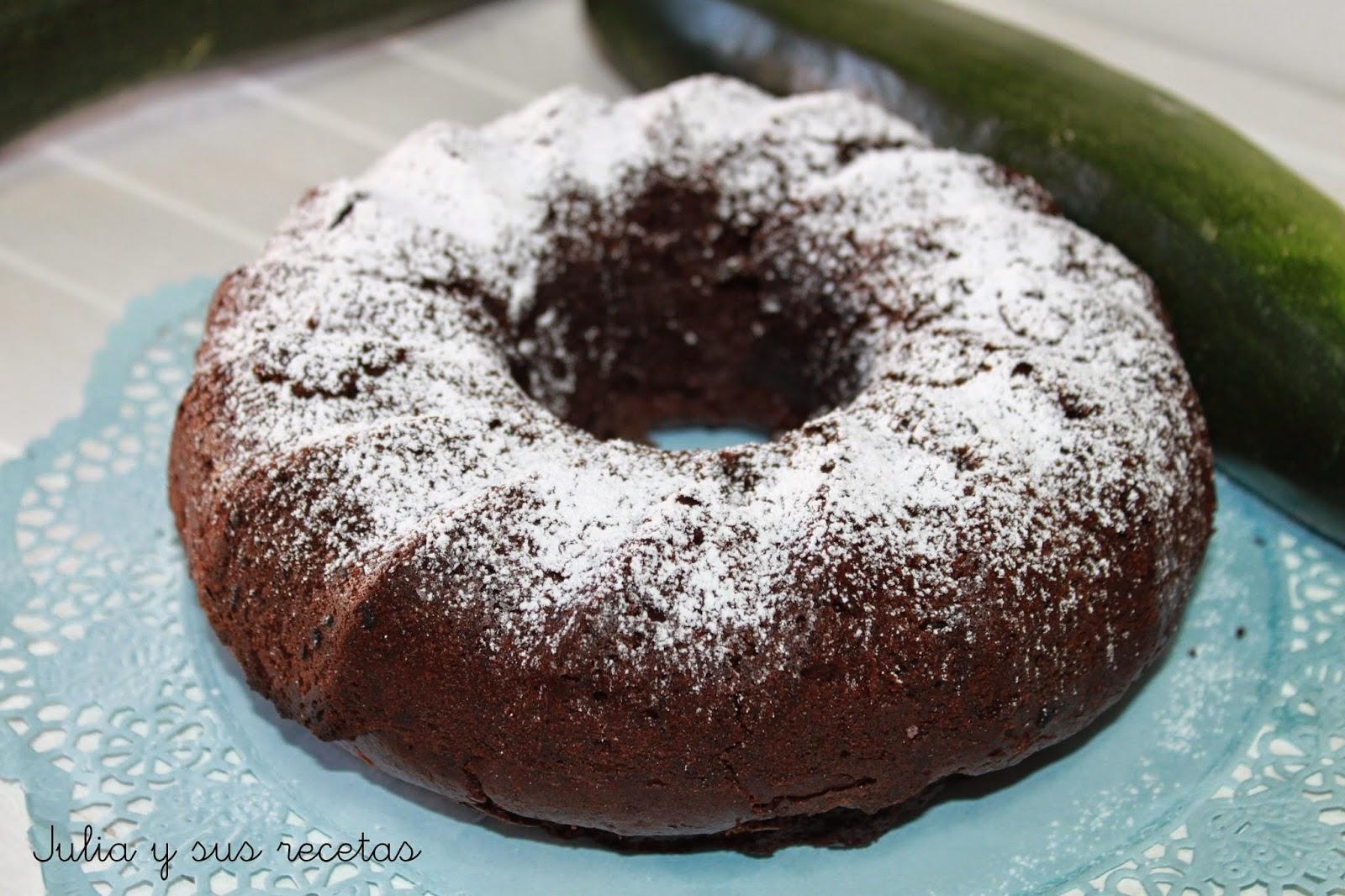 Bizcocho de calabacín y chocolate, sin lactosa ni huevo. Julia y sus recetas