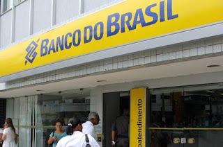 http://vnoticia.com.br/noticia/4225-vespera-de-natal-bancos-vao-abrir-em-horario-especial-de-atendimento