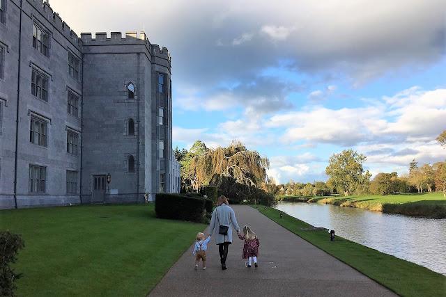 iltapäivätee tarjoilut, luksushotelli, kartano, linna irlannissa, iltapäivätee, Adare, Manor, irlanti, aiti ja lapset, kasikadessa
