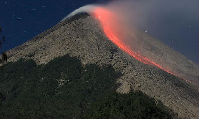 3. Gunung Merapi