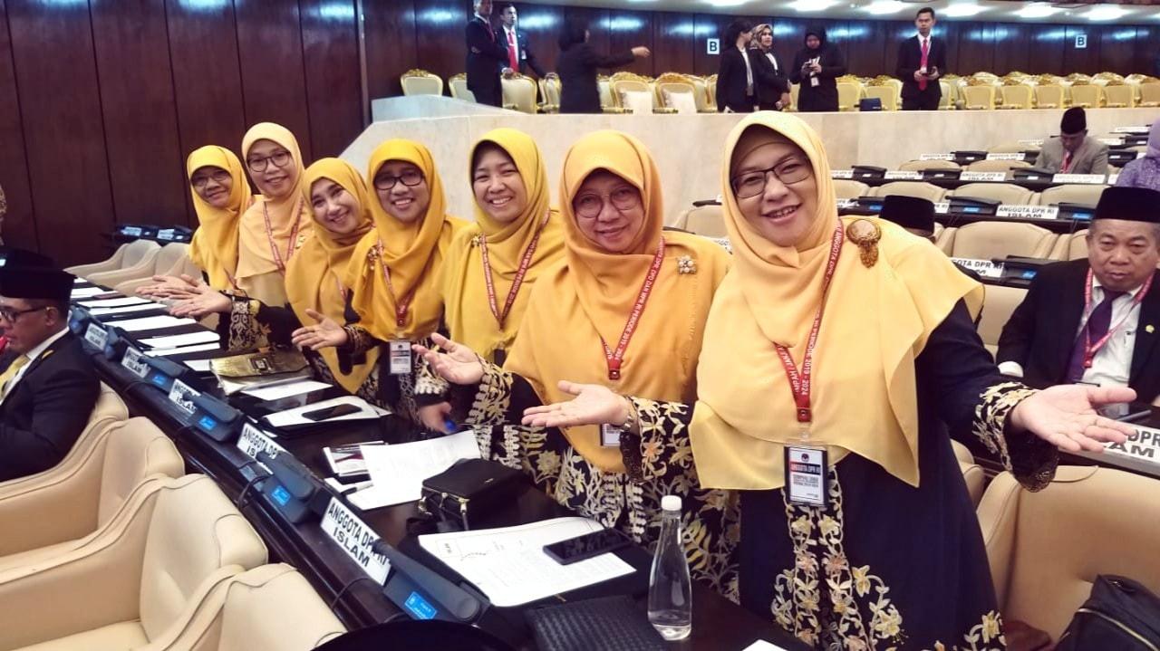 Kaum Rebahan, Mari Belajar Pada Mereka yang Dilantik di Senayan