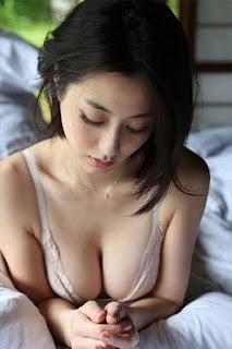 Foto-Model-Sexy-Yumi-Sugimoto-2