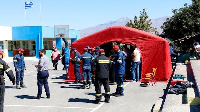 Σεισμός Κρήτη: Σκηνές για 2.500 ανθρώπους στήνονται στο Αρκαλοχώρι
