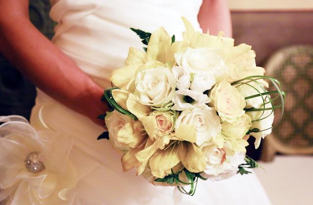 bouquet matrimonio bianco e giallo