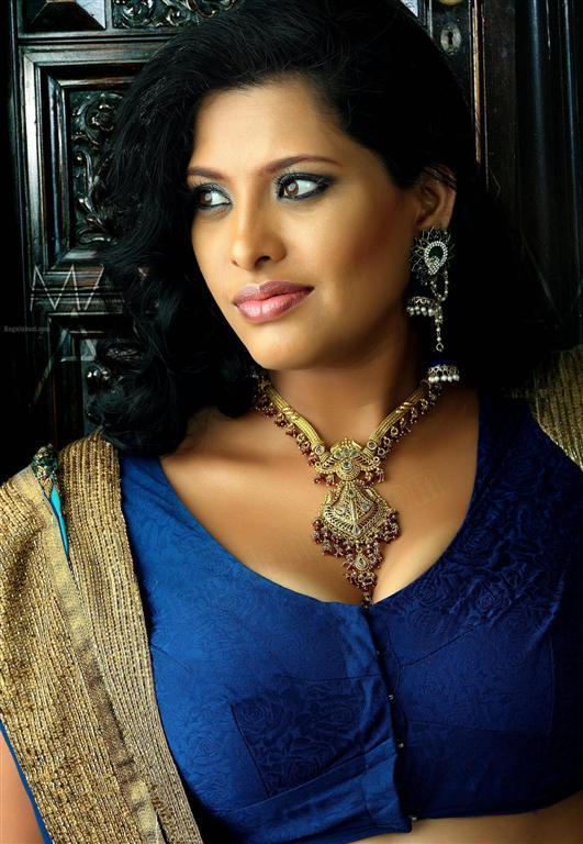 Tv Actress Bhavana Hot Pics