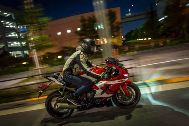 Chi tiết xe Yamaha R6 20th Anniversary hơn 500 triệu đồng