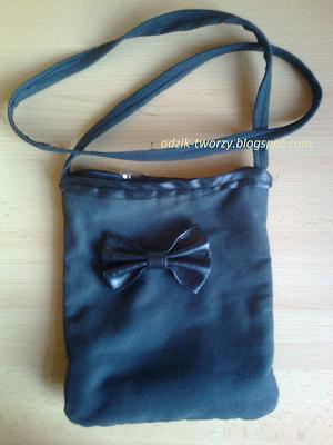 czarna mała torebka z kokardką z odzysku - Adzik tworzy