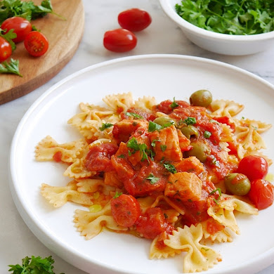 Farfalle Pasta in a Spicy Tomato and Salmon Sauce