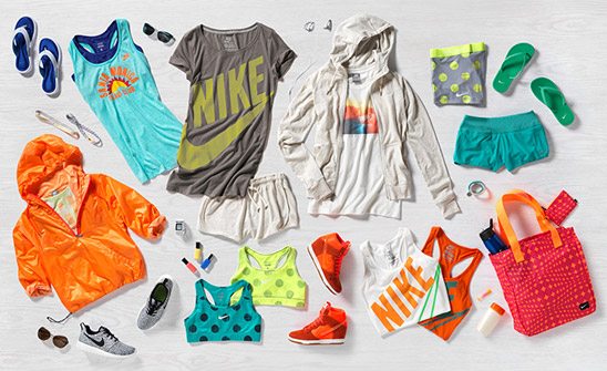 ffe3988f514 Anyone else love Nike s new summer line !  The color combo and the polka  dots make this the cutest work out gear around. These clothes make me  actually want ...