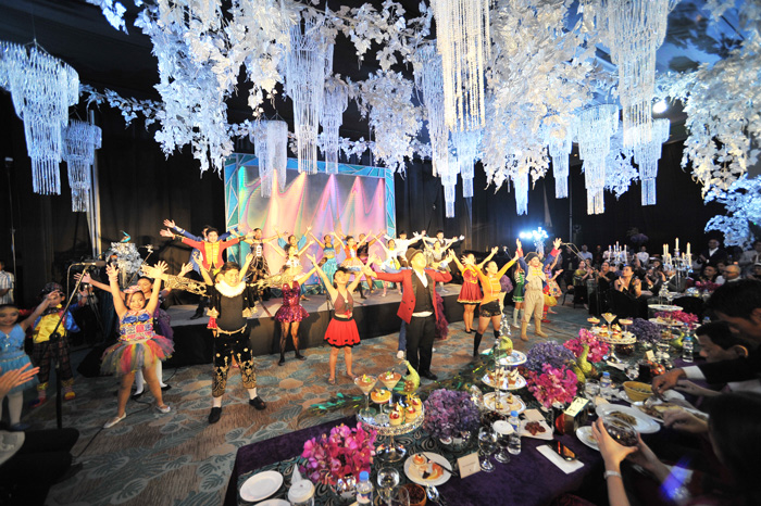 Davao's homegrown musical group, Songspell Philippines perform at the gala.