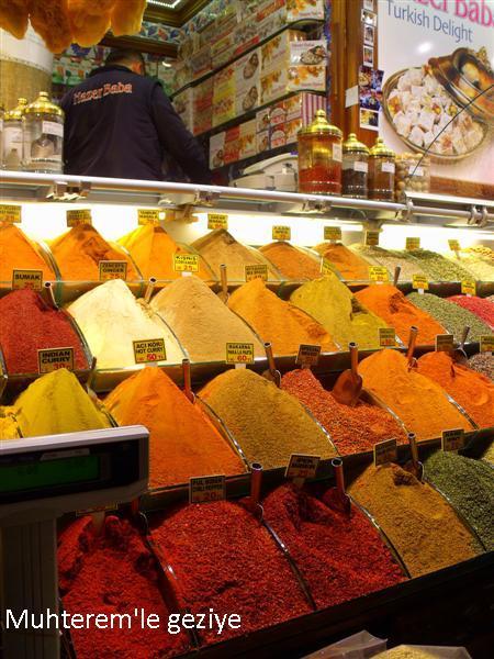Mısır Çarşısında baharat