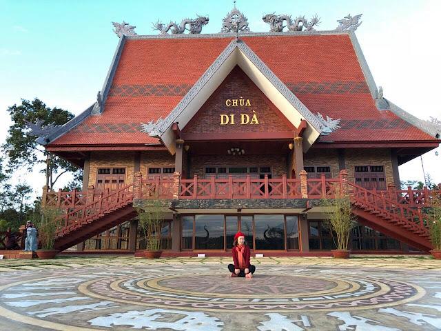 Chính điện chùa Di Đà - Bảo Lộc