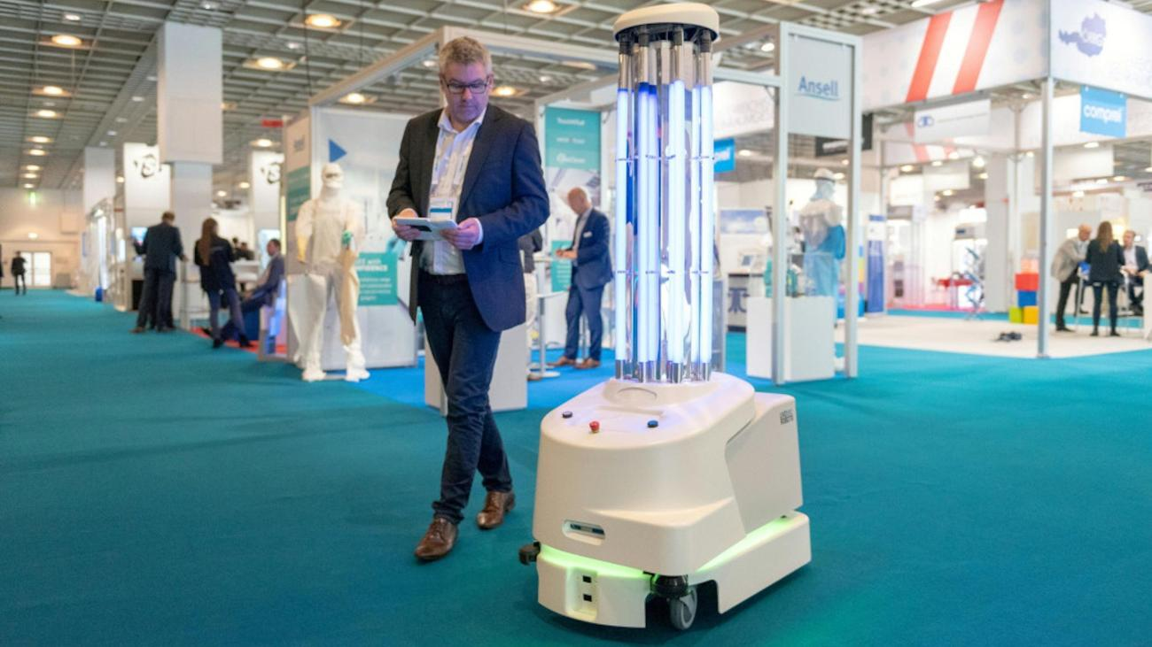 UV Robot Disinfection In Hospitals