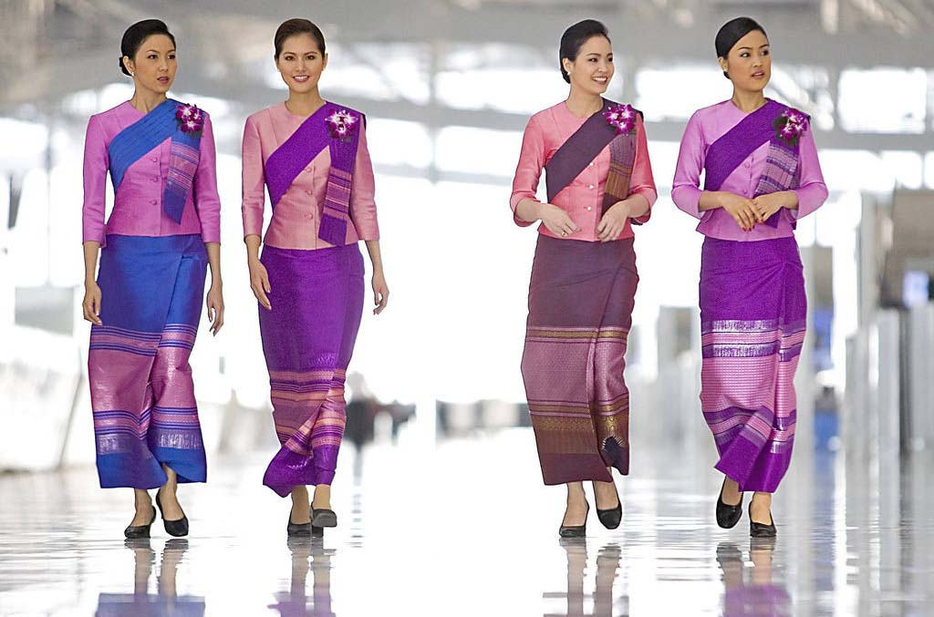 Best Cabin Crew Uniforms How To Become A Flight Attendant