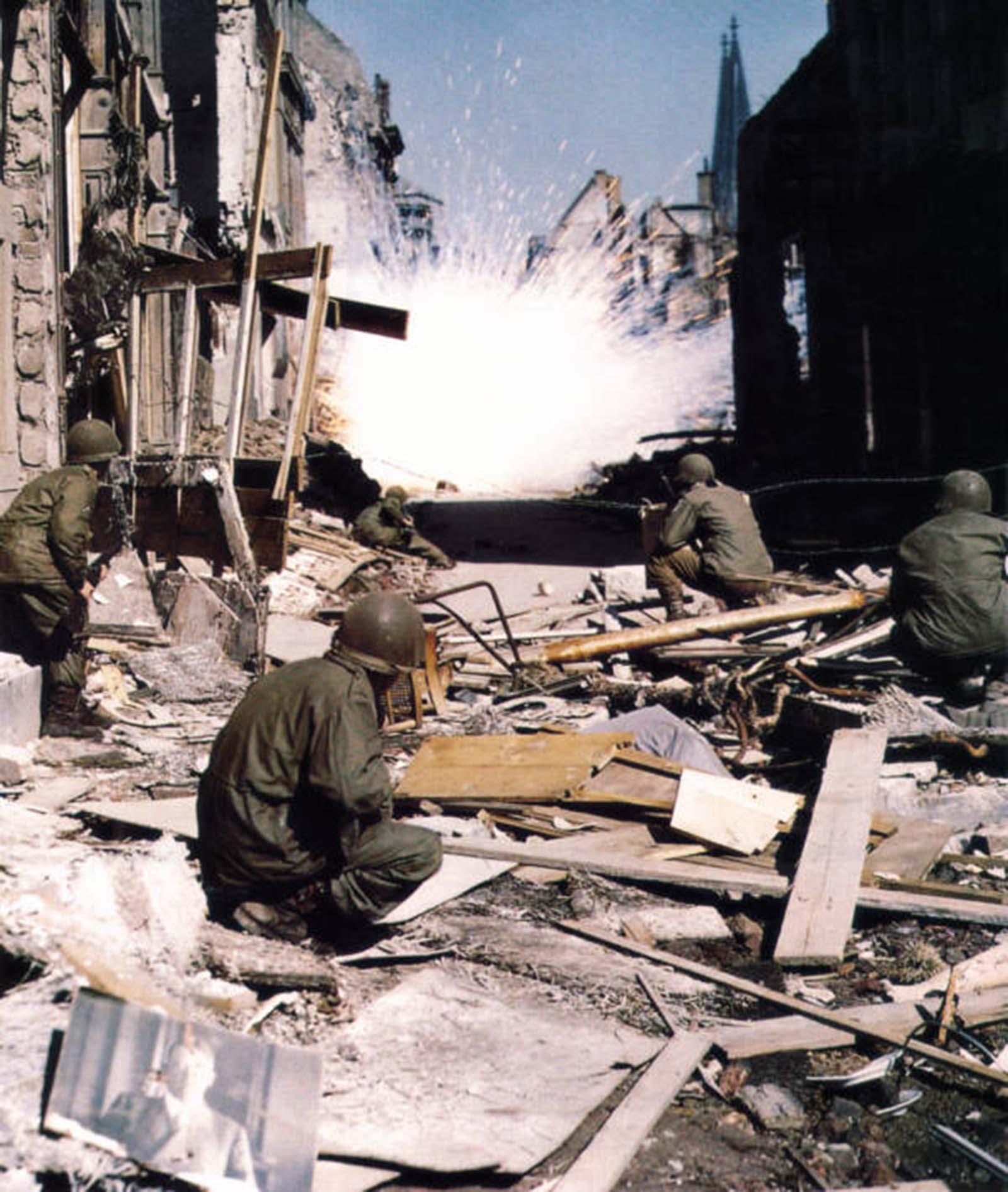 Amerikai csapatok Kölnben.  1945.