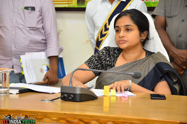 Swetha Mohanty IAS Officer noting down points
