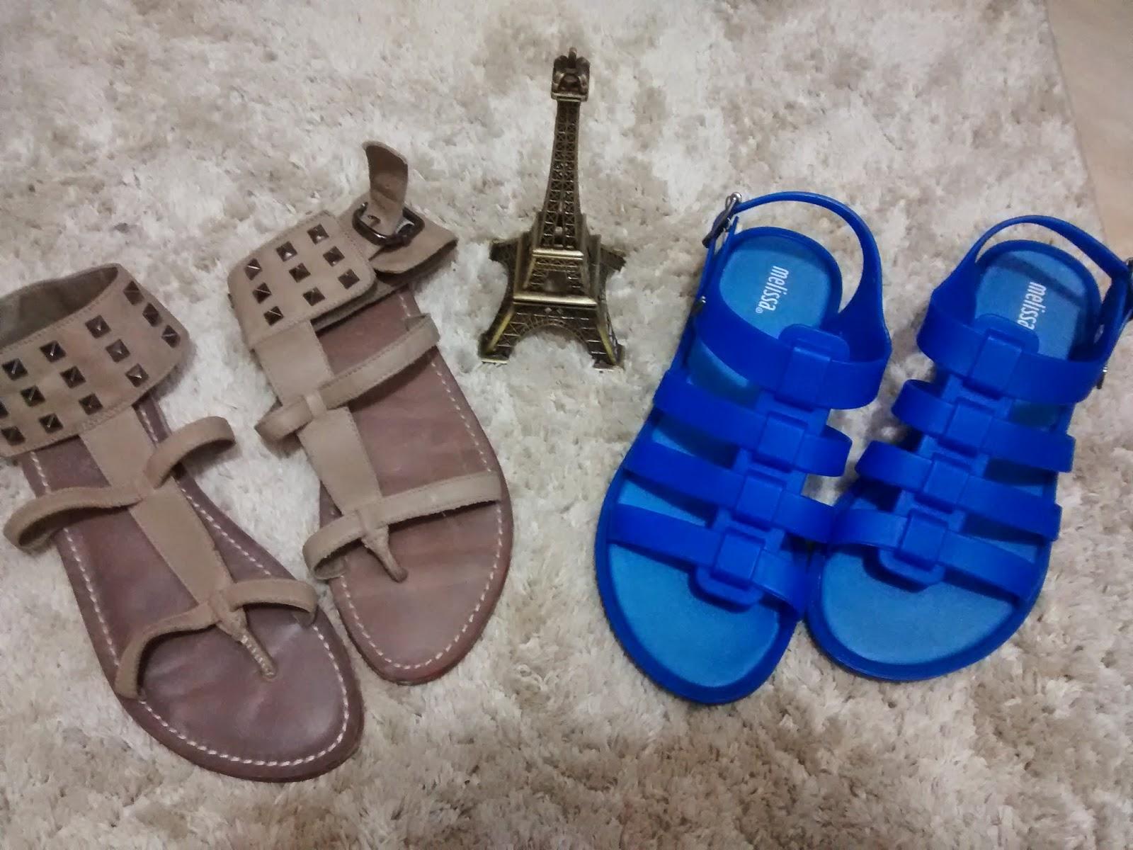 77d532d34 Rasteiras: As rasteirinhas, também conhecidas como rasteiras, são sandálias  sem salto algum e extremamente confortáveis. Perfeitas para o verão, ...