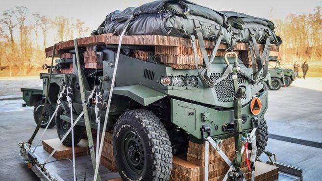Польска армія отримала перші авіадесантовані машини